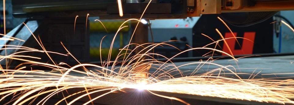 Плазменная резка металла - это наиболее эффективный и экономичный способ заготовительного раскроя металла до 50 мм.